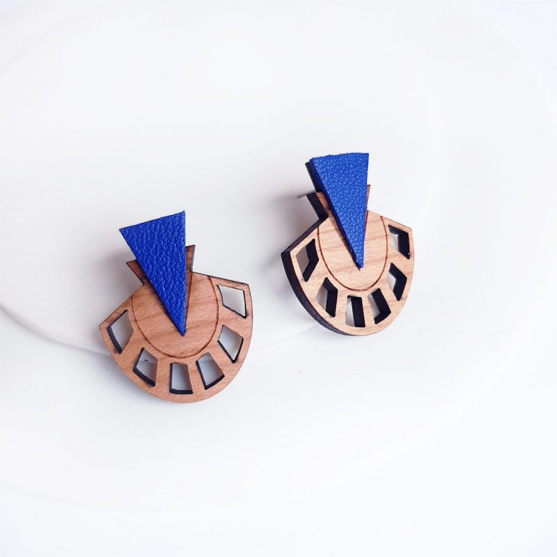 boucles d'oreilles en bois et simili cuir upcyclé bijoux en bois vegan modèle PALMIER