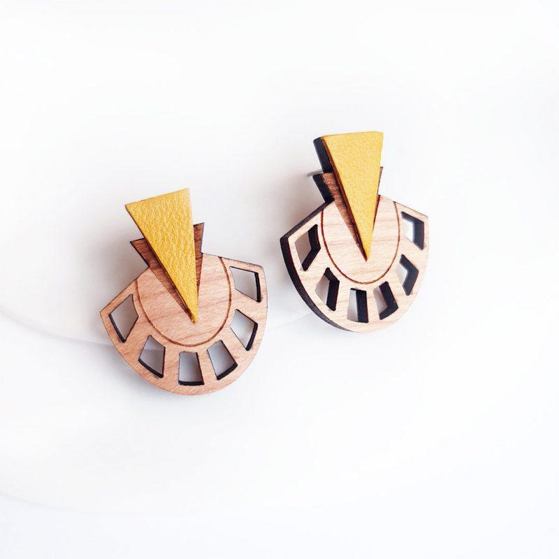 Boucles d'oreilles bois et cuir upcyclé jaune découpé et gravé au laser MARTHO