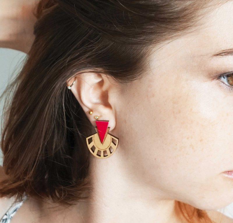 boucles d'oreilles en bois et cuir upcyclé rouge PALMIER