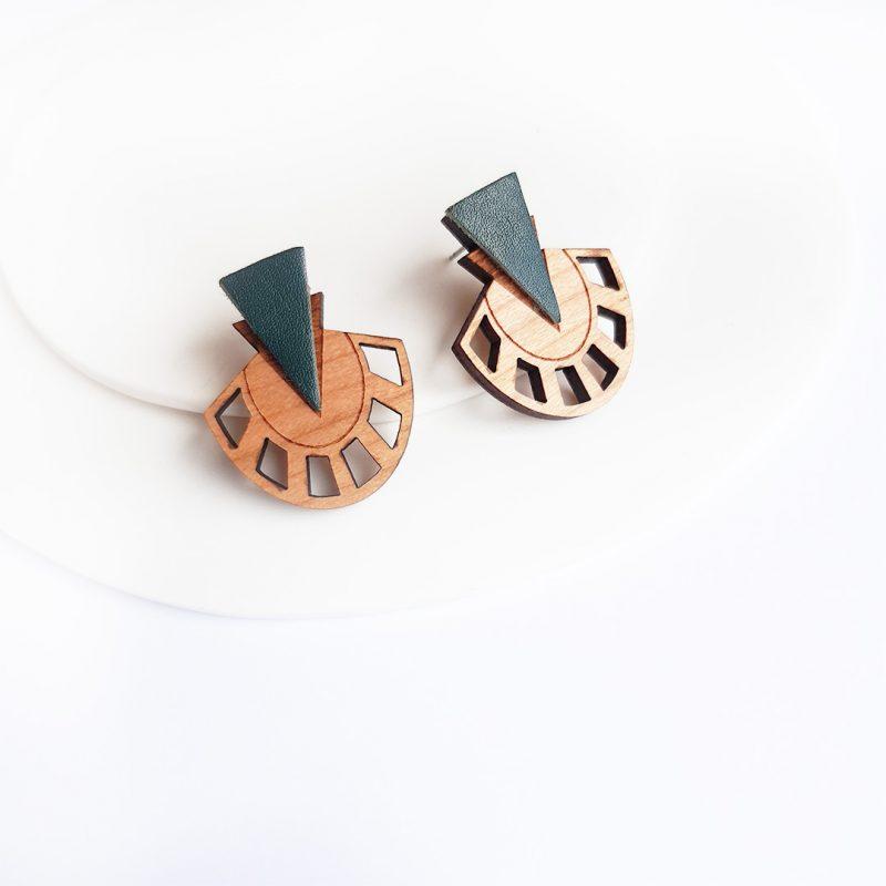 Boucles d'oreilles en bois et cuir upcyclé sapin modèles PALMER