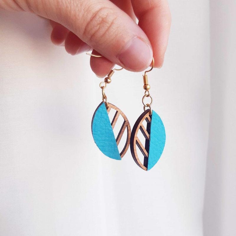 boucles d'oreilles en bois et simili cuir bleu bijoux en bois MARTHO
