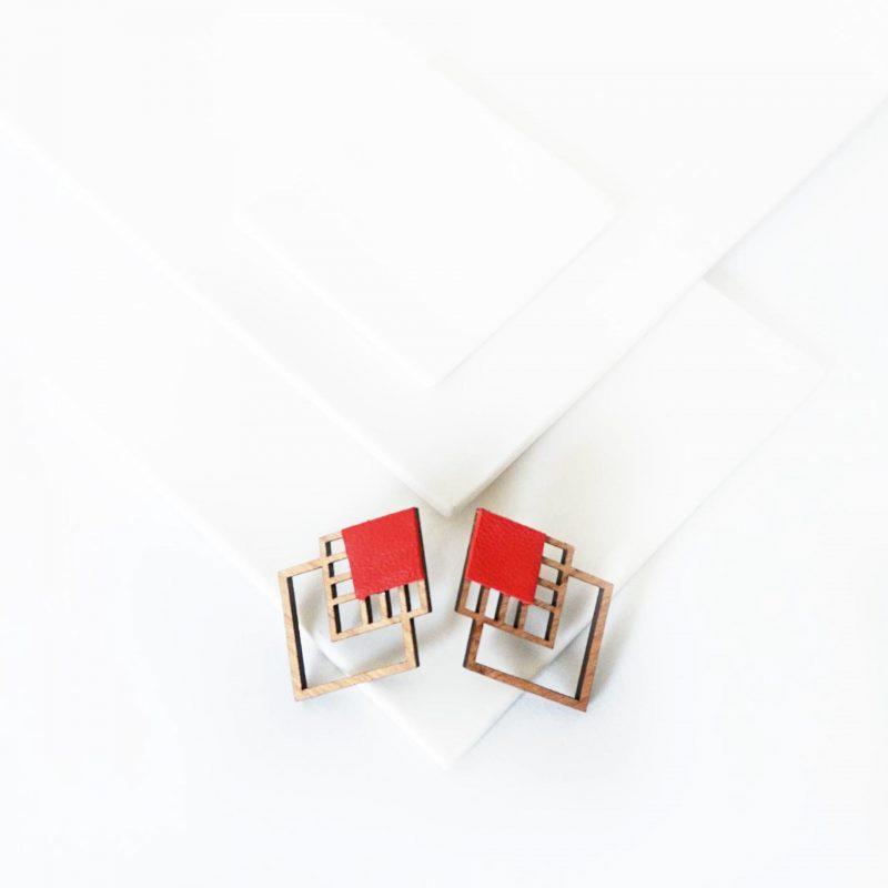 bijoux en bois découpé et gravé au laser MARTHO RUBIKS simili cuir upcyclé rouge