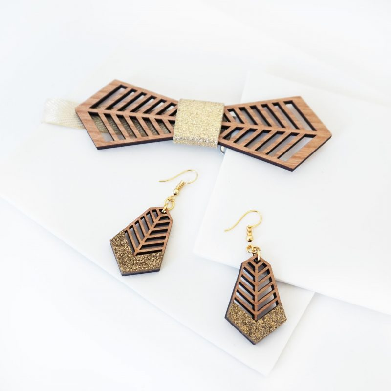 bijoux en bois boucles d'oreilles en bois noeud papillon en bois FANTAISISTE MARTHO cuir upcyclé paillette doré