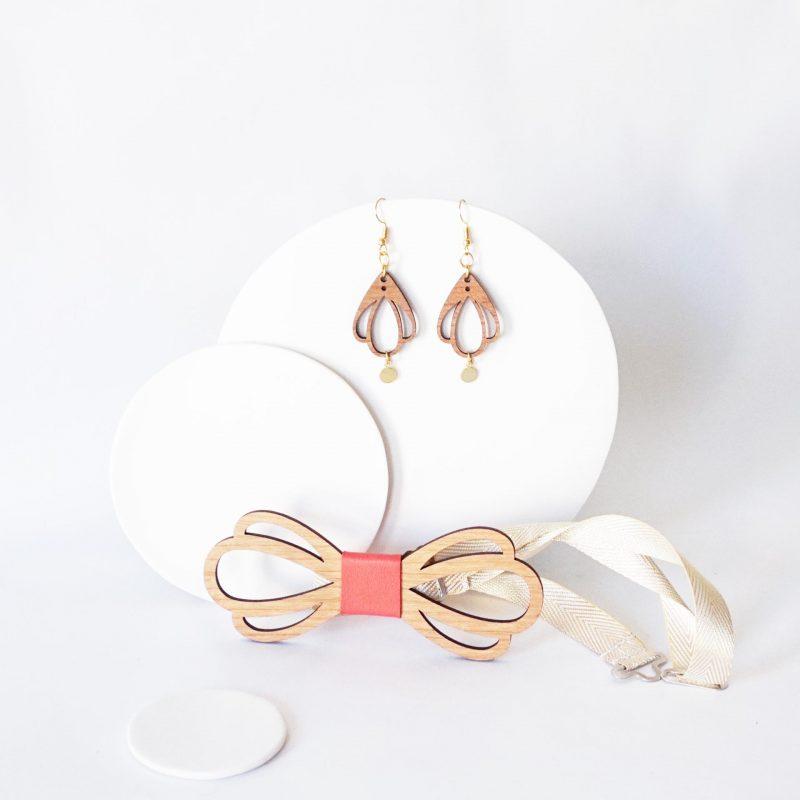bijoux en bois duo accessoire couple noeud papillon et boucles d'oreilles en bois CHAMPETRE corail