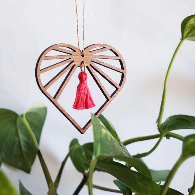 sun catcher bois amulette barbie décorative en forme de cœur AMOURETTE MARTHO