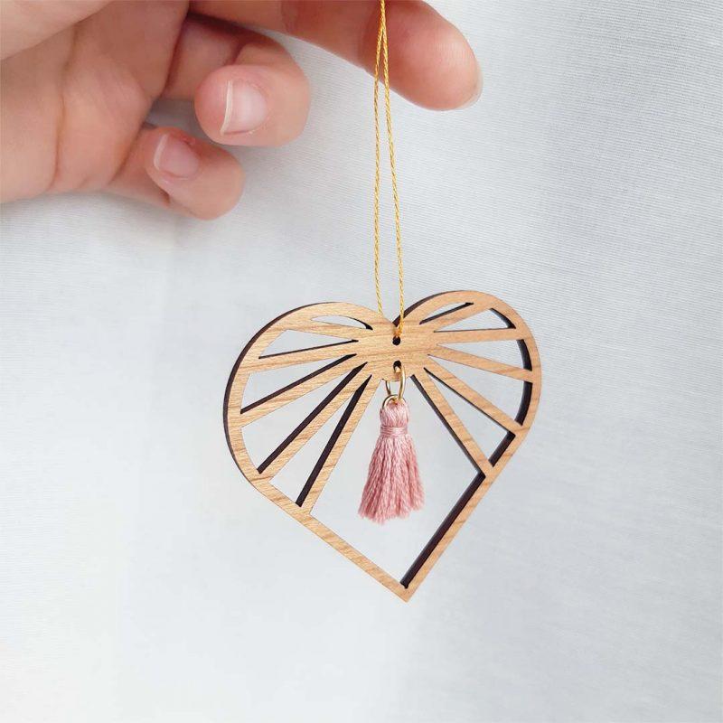 sun catcher bois amulette décorative en forme de cœur AMOURETTE MARTHO bois de rose