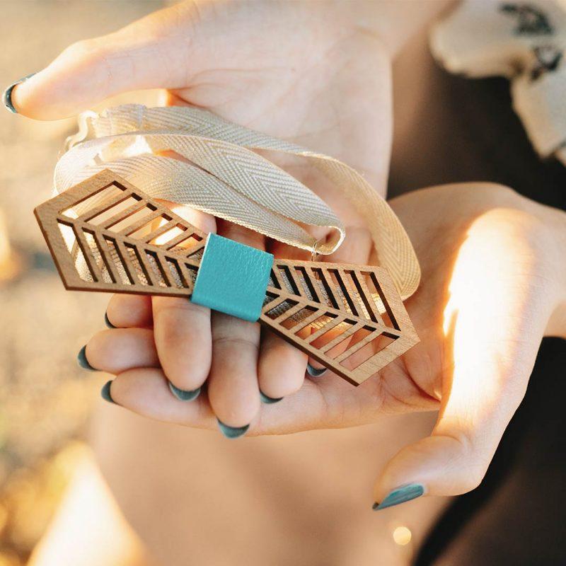 nœud papillon en bois pour mariage modèle FANTAISISTE fait à Toulouse par MARTHO