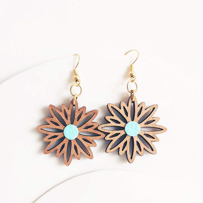 Boucles d'oreilles en bois et bijoux vegan bijoux fleur modèle ASTERAL 2